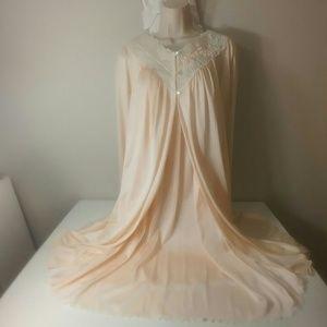 Vintage 70s peach Shadowline robe and nightie